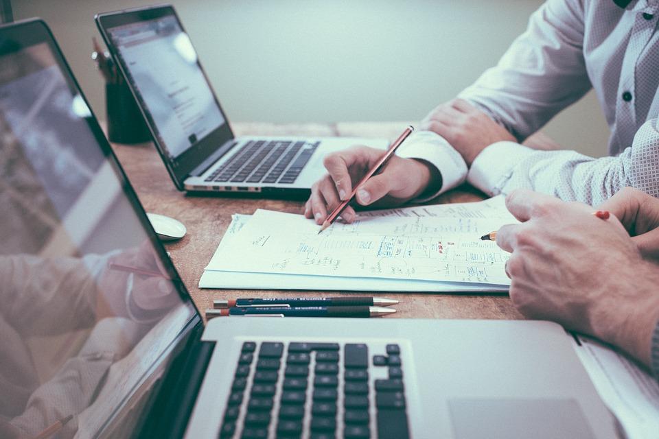 Freelance VS mārketinga aģentūras